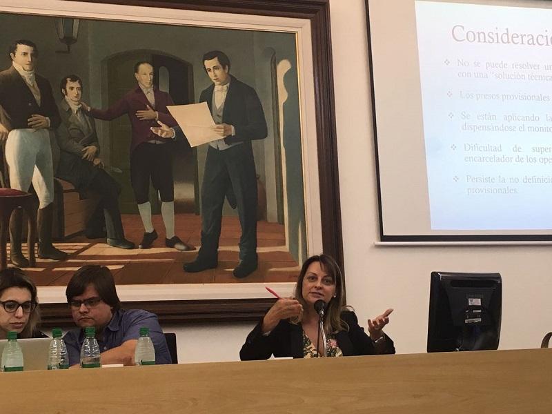 Pesquisadores do Nevis, Cristina Zackseski e Bruno Amaral, participam de colóquio em Santa Fé, Argentina